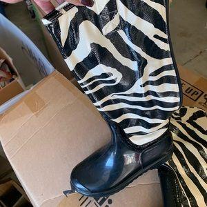 Worn once animal print  mid calf rain boot